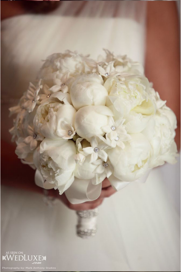 http://hazeltonmanor.com/wp-content/uploads/2015/06/wedluxe-4.png